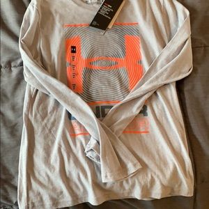 Under Armour youth long sleeve nwt